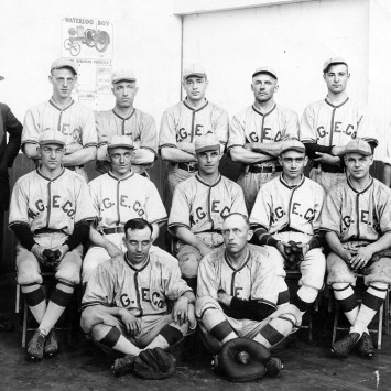 Waterloo_Gasoline_Engine_Baseball_Team