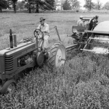 John Deere_Model B_Tractor