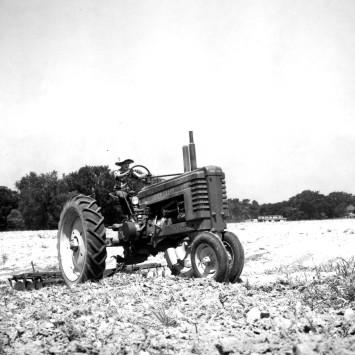 John Deere_Model B_Tractor_disk