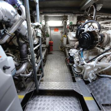 Grote_Stern_John Deere_marine_engine