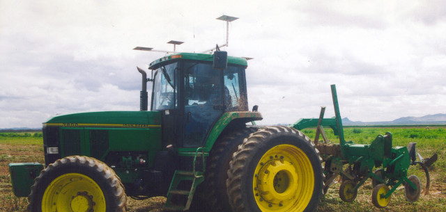 John Deere hands-free guidance system continues its evolution