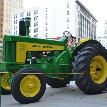 John_Deere_730_Tractor