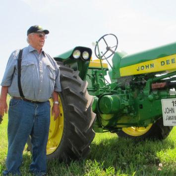 John_Deere_530_Tractor