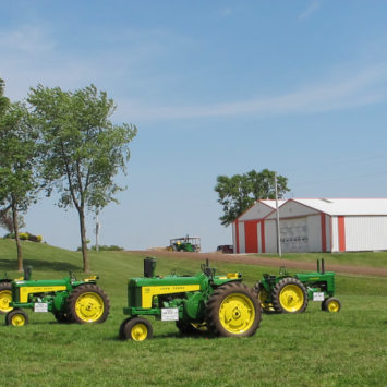 John_Deere_Antique_Tractors