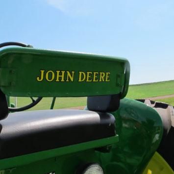 John_Deere_Tractor_Seat