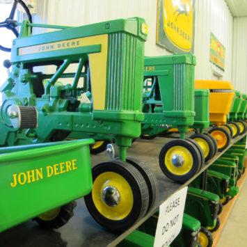John _Deere_pedal_tractor