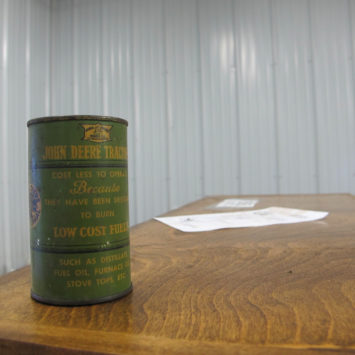 Vintage_John_Deere_Oil_Can