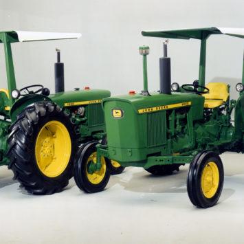 John_Deere_1020_2020_Tractors