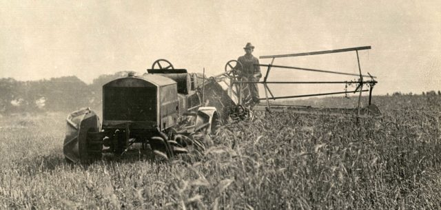Before the Waterloo Boy: Origins of the John Deere Tractor, 1912-1917